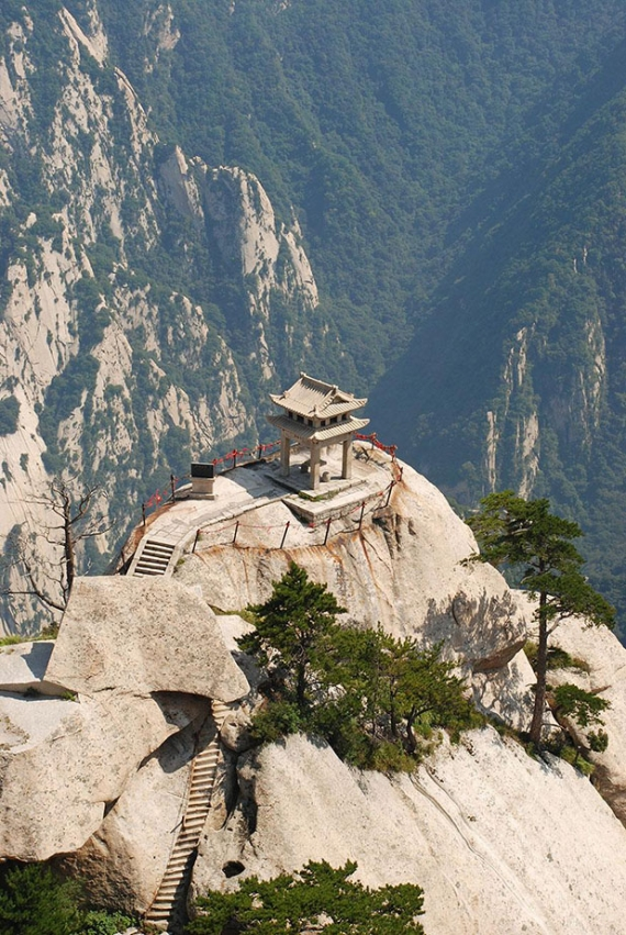 hiking-trail-huashan-mountain-china-14 (1)