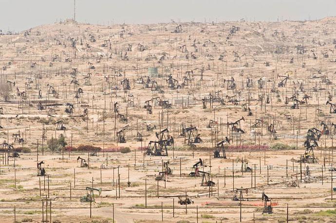 planet-pollution-overdevelopment-overpopulation-overshoot-7